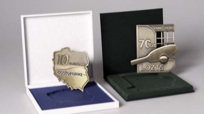 Commemorative coins can be made in various shapes