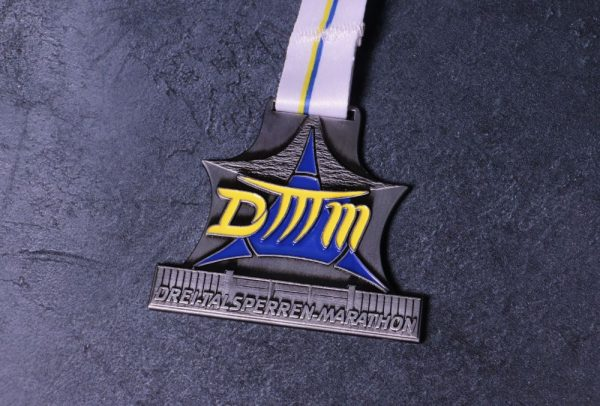 Bespoke Medal for Drei Marathon with personalised ribbon